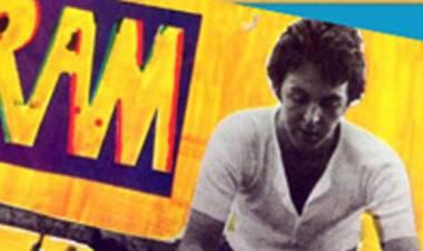 """El 17 de mayo de1971Paul y Linda McCartneyeditan el álbum """"Ram"""""""