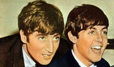 El día en que Paul conoció a John