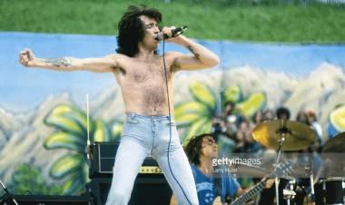 El 9 de julio de 1946 nace Bon Scott