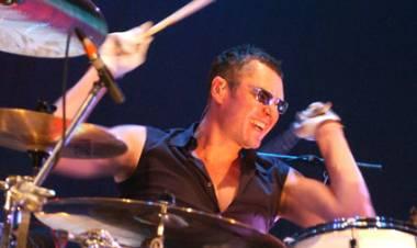 El 10 de agosto de 1961 nace Jon Farriss