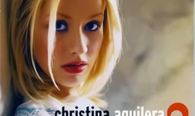 El 24 de agosto de 1999 se lanza el disco Christina Aguilera