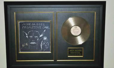 """El 14 de setiembre de 1987 se lanza """"Primitive Cool"""" de Mick Jagger."""
