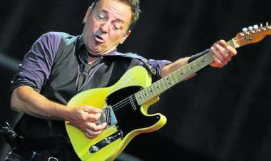 El 23 de setiembre de 1949 nace Bruce Springsteen