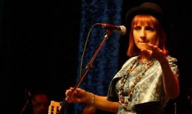 El 12 de octubre de 1963 nace Hilda Lizarazu
