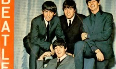 "El 28 de febrero de 1963 John Lennon y Paul McCartneycomponen ""From Me To You"""