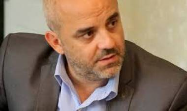 """Palo Oliver: """"El Estado provincial no debe pagar en negro"""""""