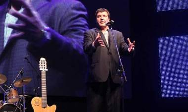 El humorista Carlos García, recordó los mejores momentos de su carrera