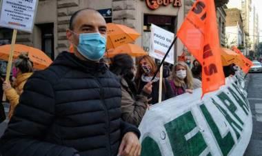 """Diego Ainsuain: """"El gobernador se va a tener que poner un estetoscopio y estar al lado nuestro si esto se desborda"""""""