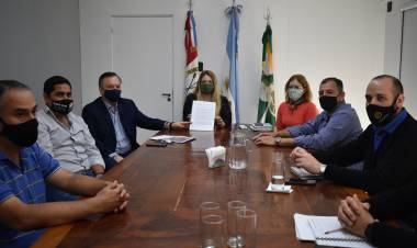 El Senador Michlig entregó en Ceres la resolución del Fondo Covid y confirmó la adquisición de un respirador para la ciudad