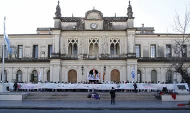 Oscar Vallejos y el reclamo de jerarquización de la actividad acedémica
