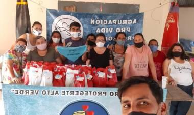 Gabriel Mayer y la labor solidaria del merendero Proteger en Alto Verde