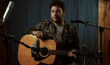 Gonzalo Villarino y una exploración acústica en cinco estaciones musicales