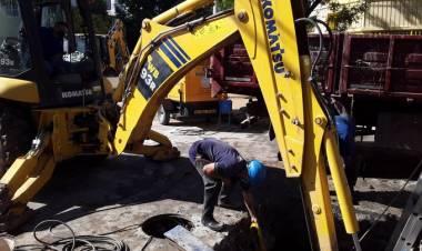 Aguas Santafesinas trabaja en la reparación del daño de una  válvula del acueducto Noroeste