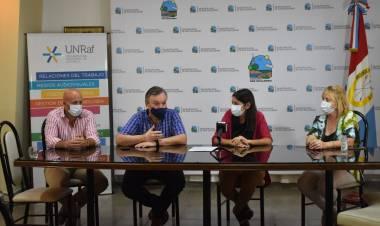 El Senador Felipe Michlig entregó aportes a instituciones de las ciudades de Suardi y San Guillermo