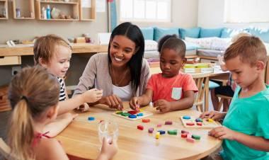 Constanza Carballo nos cuenta de que trata el Método Montessori