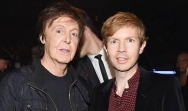 Paul McCartney lanza una nueva versión de «Find My Way» junto a Beck