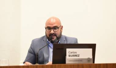 """Carlos Suárez: """"El Municipio debe resolver el descontrol en la Costanera"""""""