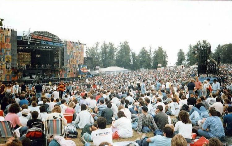El 30 de junio de 1990 se realizó el Live At Knebworth