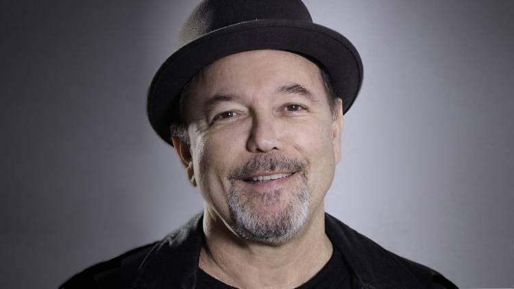 El 16 de julio de 1948 nace Rubén Blades