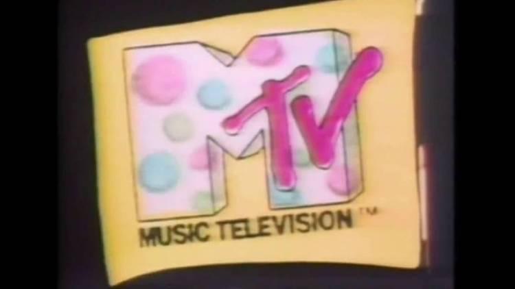 El 1 de agosto de 1981 MTV da comienzo a sus transmisiones en los Estados Unidos