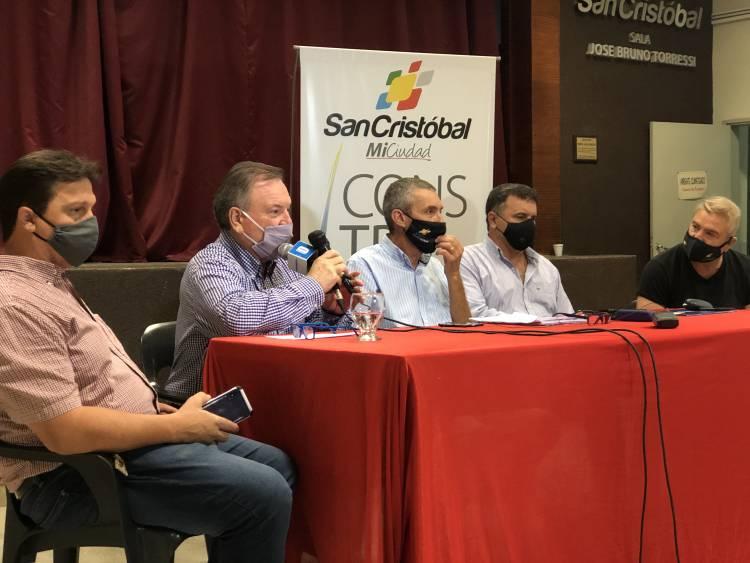 En San Cristóbal se presentaron los proyectos para pavimento en B° San José y restauración de Plaza en Barrio Dho