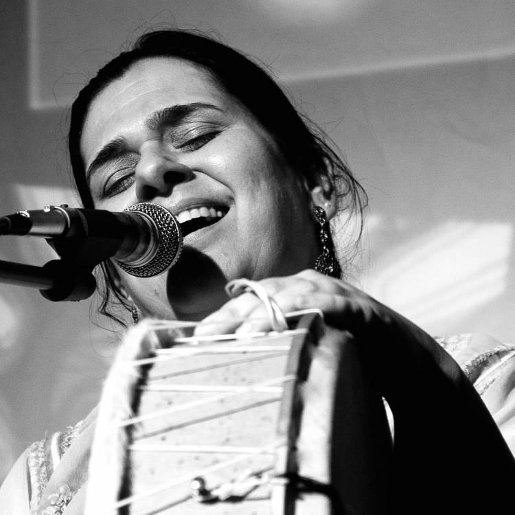 Natalia Pérez, una mirada de mujer comprometida con el arte popular