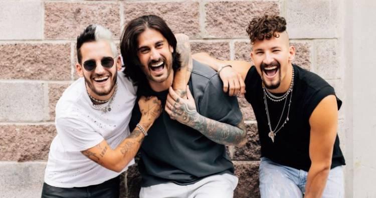 """Melandi regresa cargado de energía con """"La Boca Junta"""", junto a Mau y Ricky"""