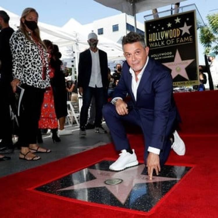 Alejandro Sanz tiene su estrella en el Paseo de la Fama en Hollywood